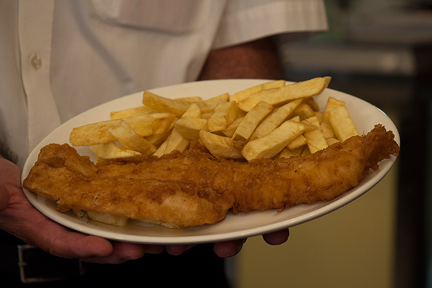 golden_hind_fish_and_chips_london_07