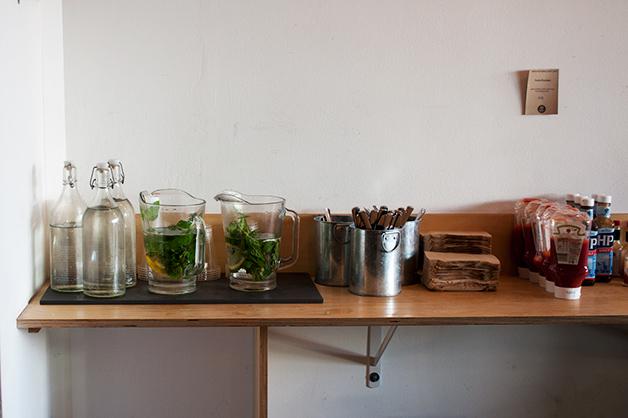 look_mum_no_hands_water_jars