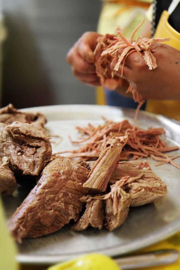 Carne deshebrada