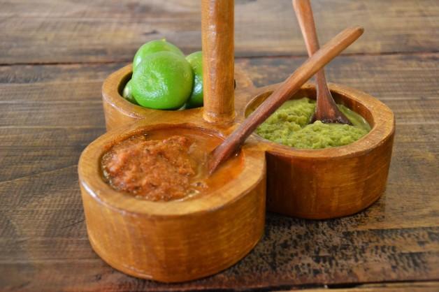 Salsa verde y salsa roja