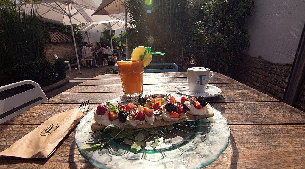 la-mas-bonita-desayuno-completo