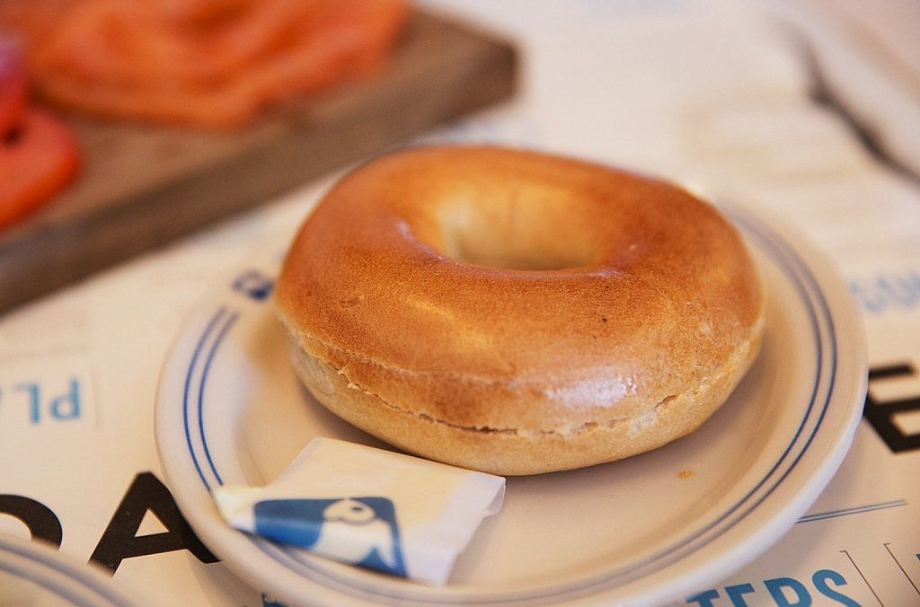 Russ_and_Daughters_Cafe_MonicaRGoya_02