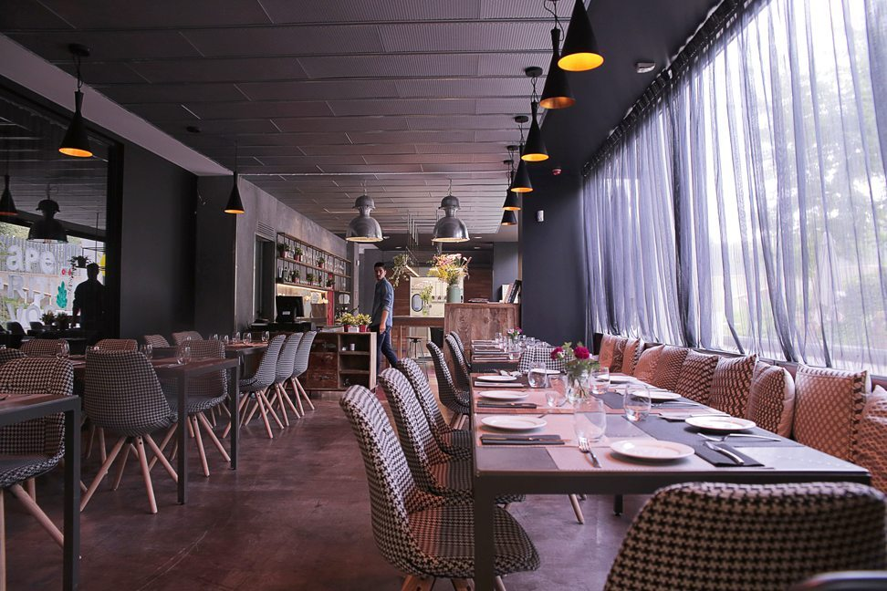 Restaurante-Mui-local-generica