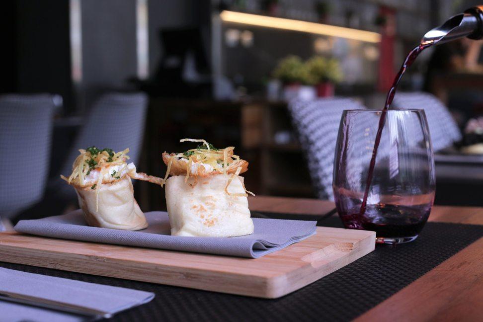Restaurante-Mui-mollete-bolonyesa