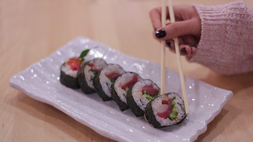 restaurante-momiji- futomaki-especial-atun-rojo-vieira-ikura-caviar-salmon